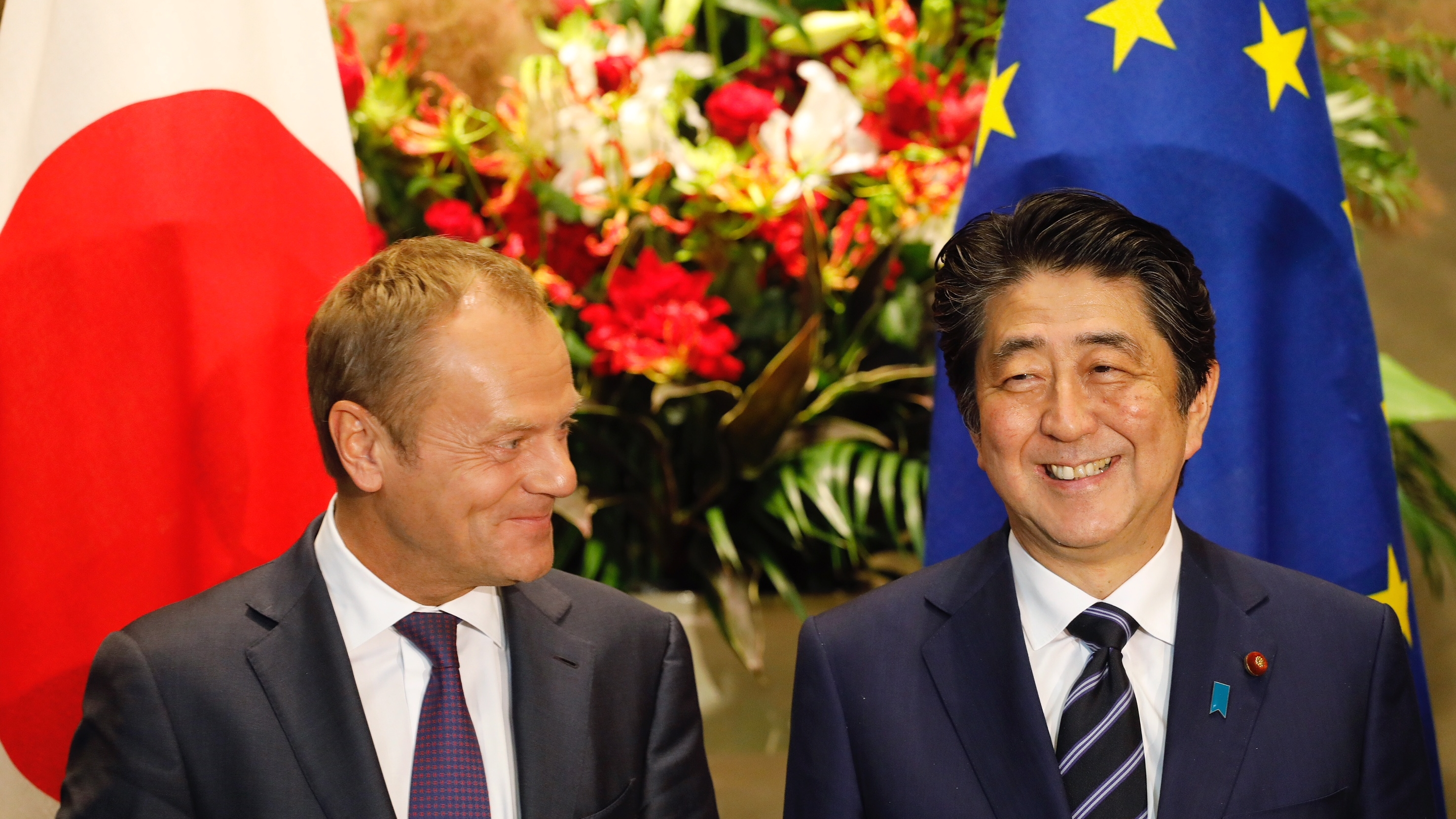18/7/2018 - signing Trade agreement by Donald Tusk, President of European Council, and PM of Japan, Shinzo Abe